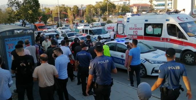 Erzurum'da ki trafik kazasında yumruklar konuştu
