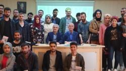 Duayen gazeteci Sabuncuoğlu genç iletişimcilerle buluştu