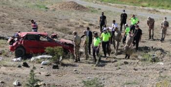 Erzincan'da trafik kazası: 2 ölü, 2 yaralı
