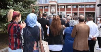 İYİ Parti'den Sekmen'e çelenkli protesto